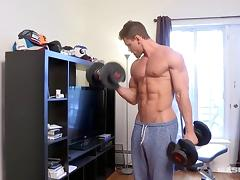 Maskurbate Brad Showing Off His Huge Muscles
