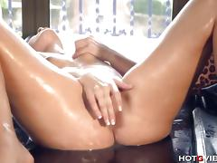 Pamela Sanchez shivers and squivers in orgasm