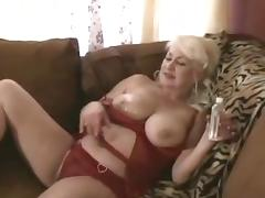 Puta perrita mamadora Dana Hayes da nalgotas y traga verga porn tube video