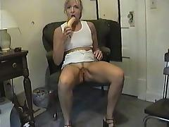 COLLEEN FUCKS BANANA porn tube video