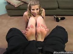 Foot fetish cowgirl displaying her nice ass before performing her lovely teases