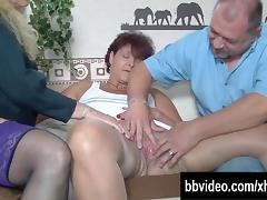Sexy German milfs sucking cock in threesome tube porn video