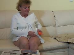 Mature lesbian granny spooks her hairy snatch with a toy in enticing compilation