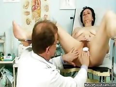 Nasty old housewife getting her hairy part5