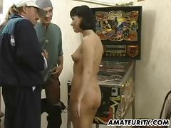 Brunette sex bomb controls a stiff boner hardcore