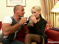 His smoking hot milf date arrives for wine and hotel hardcore