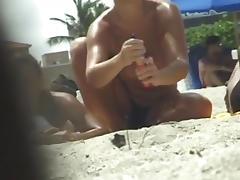 Candid beach camera filmed a horny bimbo