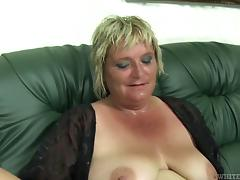 Mature BBW slut gets sweaty as she gets pounded on porn tube video