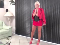 Sexy granny Mandi McGraw
