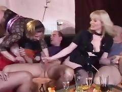 Uma reports from a swinger club