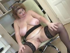 Posh mature mom with big boobs and big ass