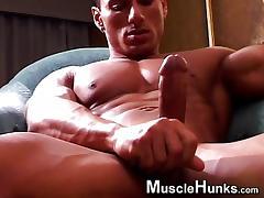 Bodybuilder Rico Showing Off Solo JO tube porn video