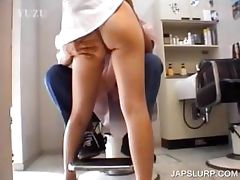Asian slut showing sexy ass upskirt tube porn video