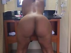 latina clapping her meat flaps