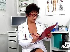 European milf doctor Gabina hj a young penis