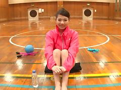 Sporty Asian gymnast spreads her legs wide for a stiff cumshooter hardcore porn tube video