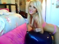 Alexis Paige: Blue Balloon Bounce