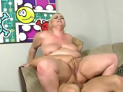 bbw with huge ass takes a good pounding