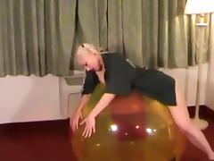 Galas Balloons - Gala get fucked on a 48 Beachball porn tube video