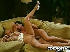 Mature amateur gets her pussy nailed