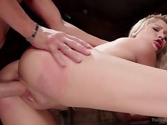 goldie gets banged by horny executor