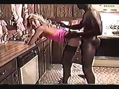 La grande blonde avec une grosse bite noire tube porn video