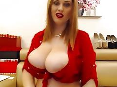 Amateur big tits video clip of me posing online