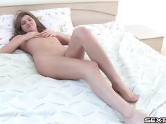 Adorable vixen stuffs a stiff pecker deep in her mouth porn tube video