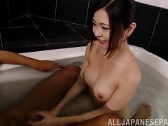 Relaxing in a tub, Aisa Fujii gives her man some head porn tube video