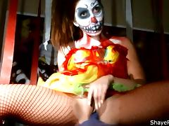 Shaye Rivers Scary Clown Masturbation tube porn video