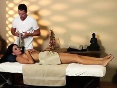 Very tricky massage apartment of horny masseur tube porn video