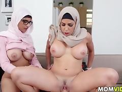 Stepmom Julianna Vega and Mia Khalifa cumming tube porn video