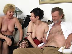 Gruppenfick im Oldie-Land porn tube video