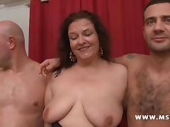 Kate la grosse baisee en gang bang tube porn video