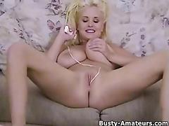 Busty Mariah Lynn playing her pussy with toy porn tube video