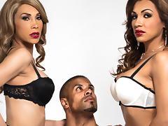 Robert Axel & Jessy Dubai & Sunday Valentina in TS Girls On Top Video
