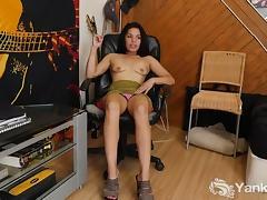 Small Breasted Havannah Masturbating porn tube video