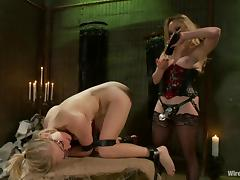 penny gets her pussy dominated