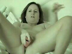 Mature wife masturbating on cam