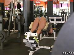 Hypnotized Brunette Gets Pounded Hardcore In The Gym tube porn video