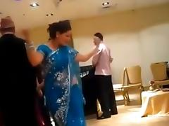 sexy nepali aunty dancing in party tube porn video