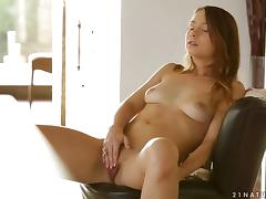 Taylor Sands in A Gift to HerselfVideo porn tube video