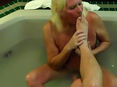 Sissy worship Mistress's feet & Foot Job