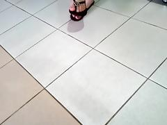 girl girl in purple Havaianas exhibiting her feet - 05