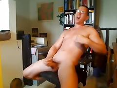 Sweet poof is frigging in the bedroom and shooting himself on webcam porn tube video