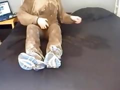 mud, piss and dildo play in my bed. tube porn video