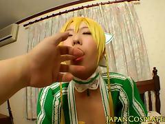 Chika Arimura dresses as Leafa and pussyfucks