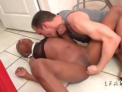 Petite black francaise se fait ramoner le cul grave