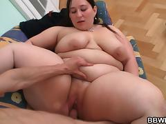 Deep pussy therapy for big belly plumper tube porn video