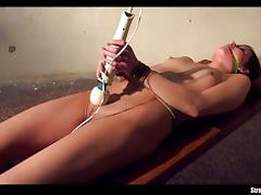 Amateur Samantha Joons vibes her moist slot